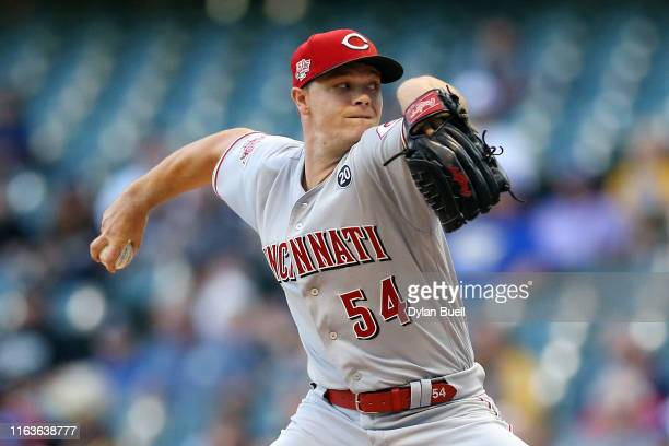 Sonny Gray of the Cincinnati Reds pitches in the first inning against the Milwaukee Brewers at Miller Park on July 22, 2019 in Milwaukee, Wisconsin.