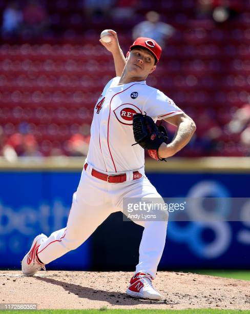 Sonny Gray of the Cincinnati Reds throws the ball against the Philadelphia Phillies at Great American Ball Park on September 05, 2019 in Cincinnati,...