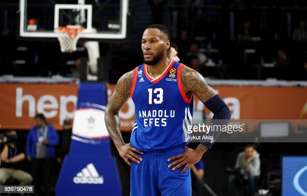 Sonny Weems #13 of Anadolu Efes Istanbul in action during the 2017/2018 Turkish Airlines EuroLeague Regular Season Round 29 game between Anadolu Efes...
