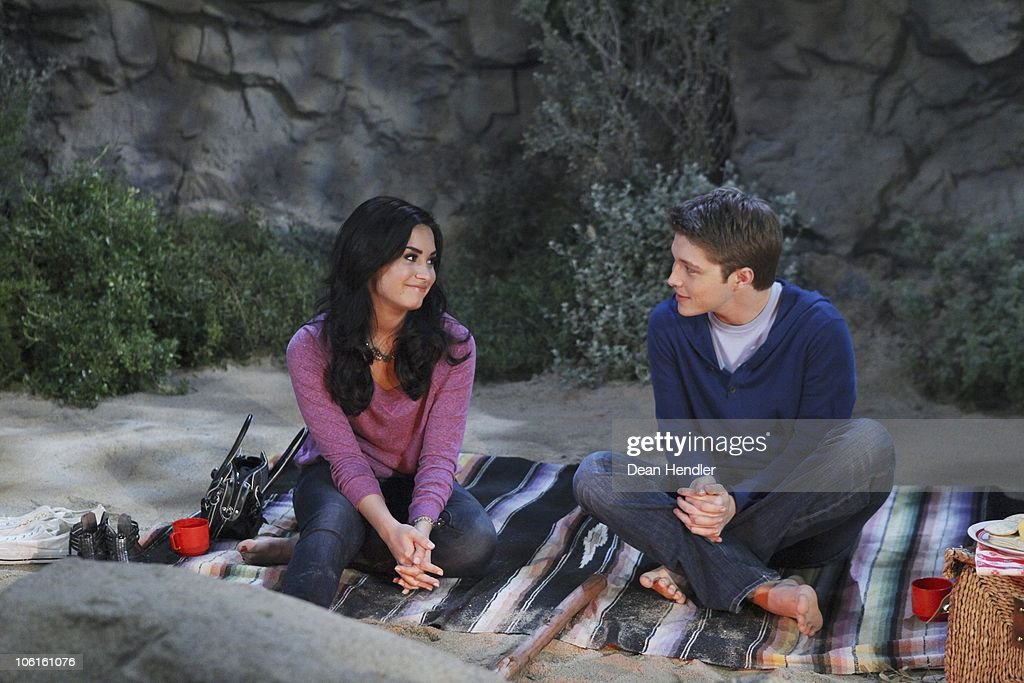 Sonny with a chance sonny and chad dating episodes of revenge