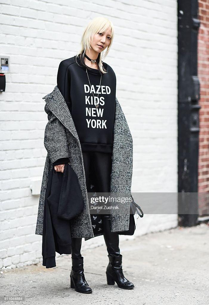 Street Style - Day 7 - New York Fashion Week: Women's Fall/Winter 2016 : News Photo