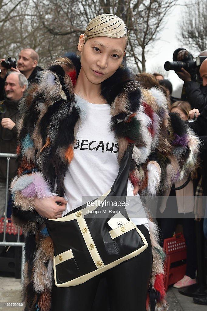 Chanel : Outside Arrivals  - Paris Fashion Week Womenswear Fall/Winter 2015/2016