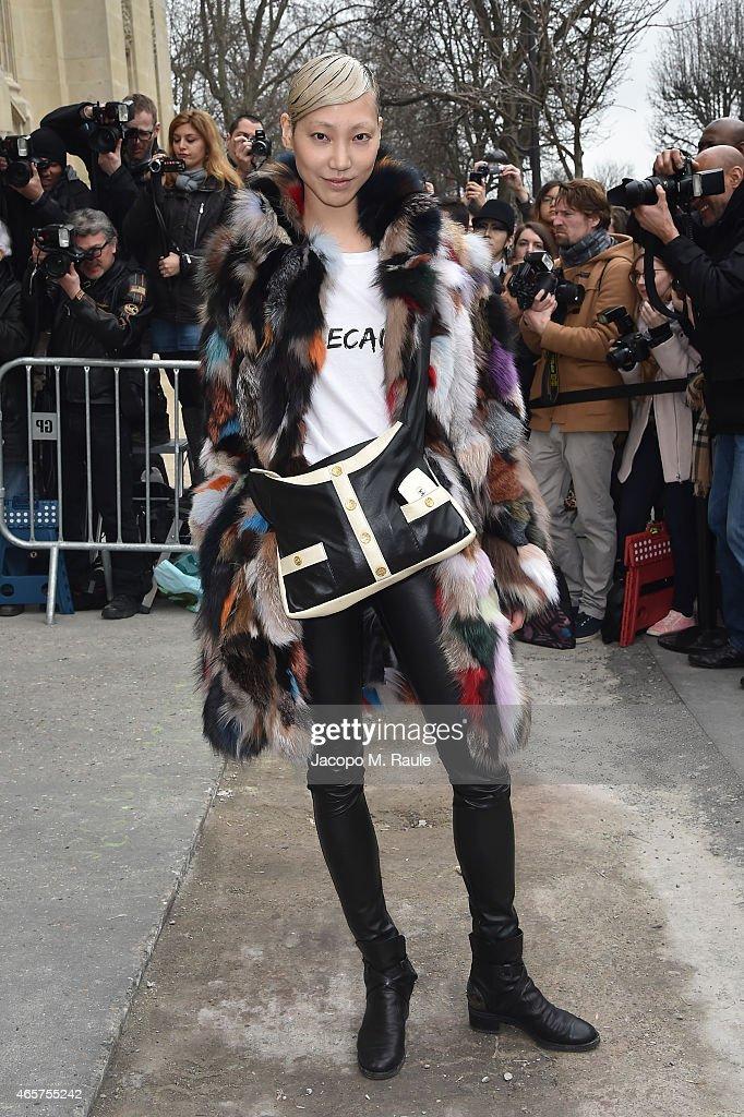 Chanel Show - Paris Fashion Week Womenswear Fall/Winter 2015/2016