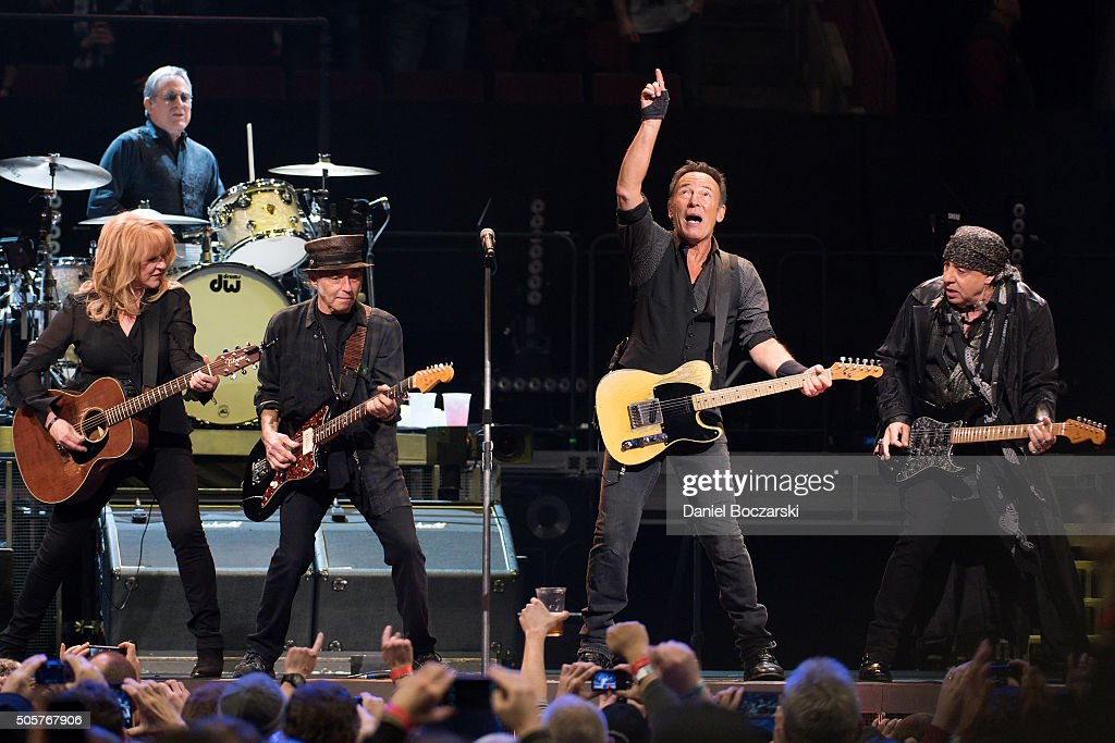 Bruce Springsteen And The E Street Band In Concert - Chicago, IL
