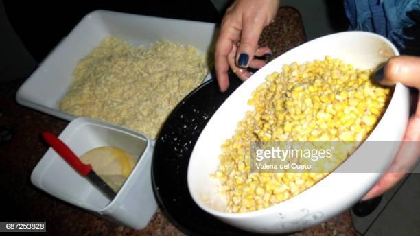 sopa paraguaia: milho e queijo curado - queijo stock pictures, royalty-free photos & images