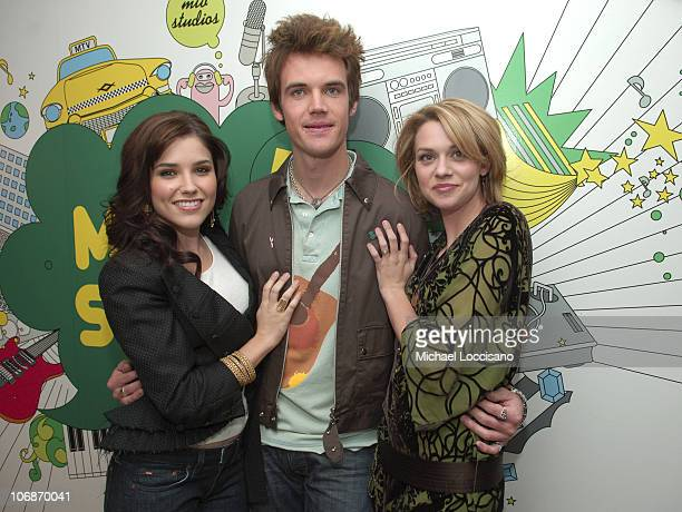 Sophia Bush Tyler Hilton and Hilarie Burton during Beyonce Knowles and the Cast of 'One Tree Hill' Visit MTV's 'TRL' February 7 2006 at MTV Studios...