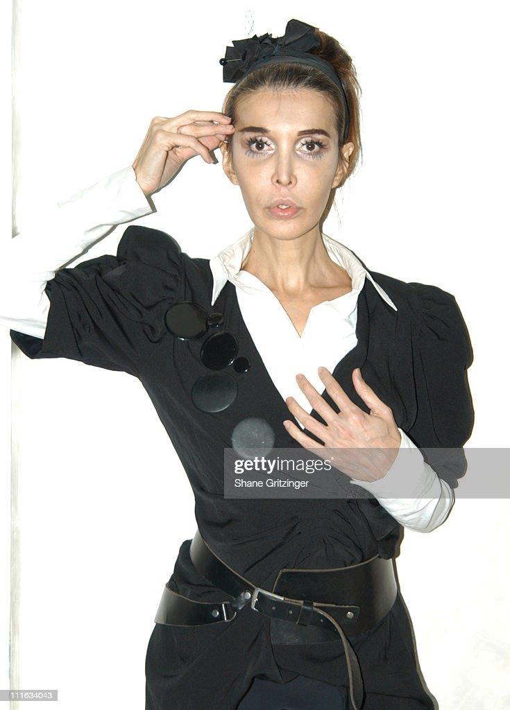Amanda Lepore Hosts Disko Distortion - October 13, 2005