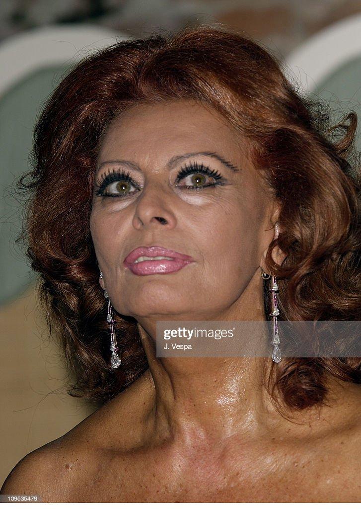 Sophia Loren during 2002 Venice Film Festival - Sophia Loren Receives the the 'Premio Bianchi' Award at Excelsior Hotel in Venice Lido, Italy.
