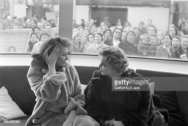 Sophia Loren In Brussels And Paris For The Release Of The Film 'Pain, Amour, Ainsi Soit-Il'. France, Paris, 24 mars 1956, l'actrice italienne Sophia...