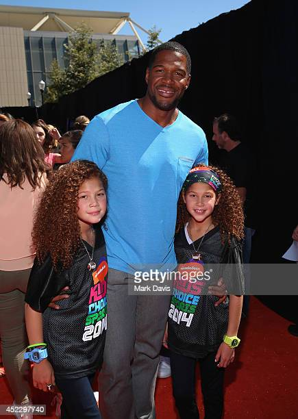 Sophia Strahan host Michael Strahan and Isabella Strahan attend Nickelodeon Kids' Choice Sports Awards 2014 at UCLA's Pauley Pavilion on July 17 2014...