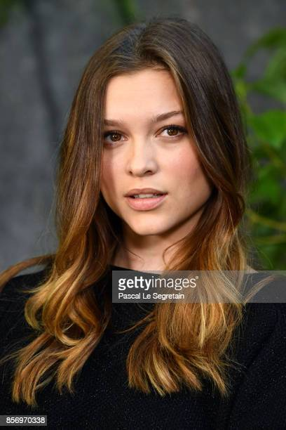Sophie Cookson attends the Chanel show as part of the Paris Fashion Week Womenswear Spring/Summer 2018 on October 3 2017 in Paris France