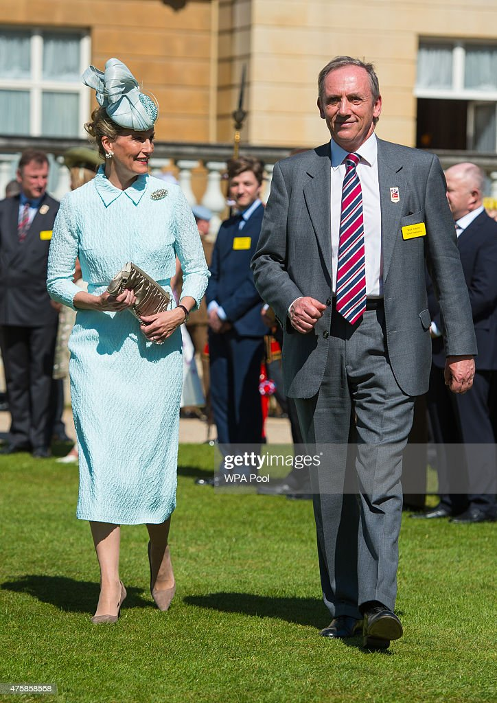 Buckingham Palace Garden Party For The Blind Veterans Association : News Photo