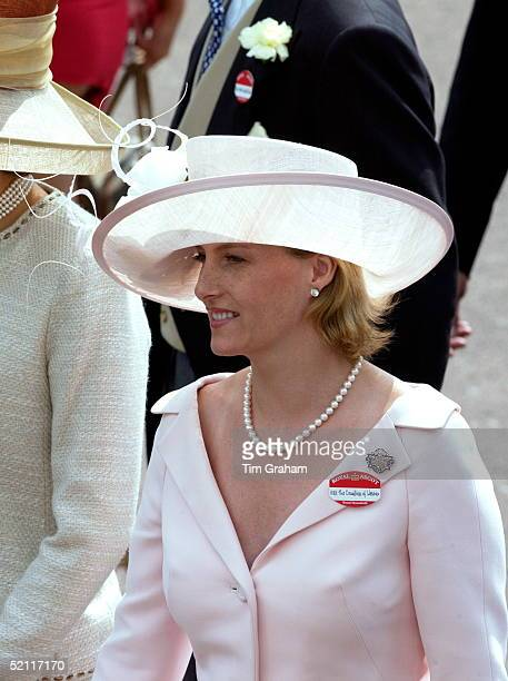 Sophie Countess Of Wessex Happy And Smiling As She Walks Through The Crowds At Royal Ascot The Countess Is Wearing A Fitted Pale Pink Suit With A...