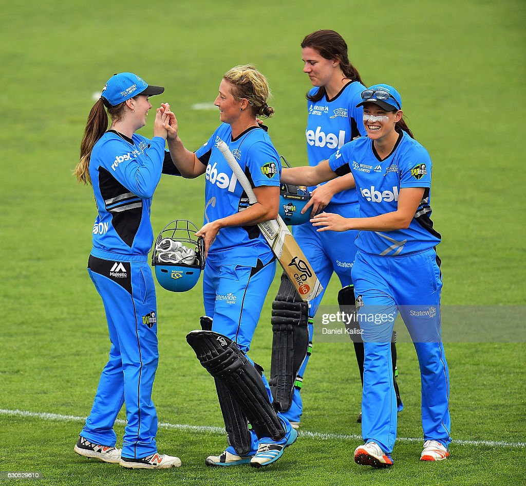 WBBL - Strikers v Hurricanes