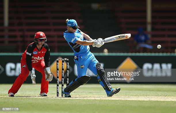 'SYDNEY AUSTRALIA DECEMBER 10 Sophie Devine of the Strikers bats during the Women's Big Bash League match between the Adelaide Strikers and the...
