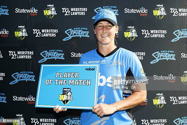 'SYDNEY AUSTRALIA DECEMBER 10 Sophie Devine of the Strikers poses with the Player of the Match Award during the Women's Big Bash League match between...
