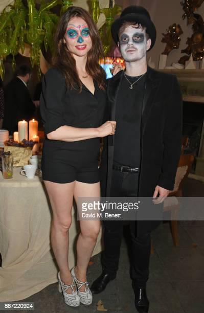 Sophie EllisBextor and Richard Jones attend Unicef's Halloween at Aynhoe Park on October 27 2017 in Banbury England Unicef's Halloween at Aynhoe is...