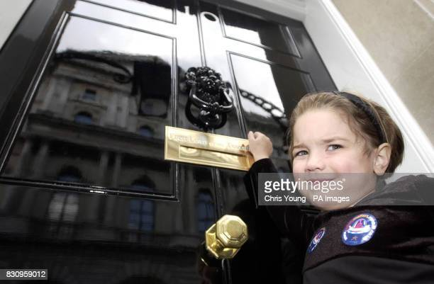 Sophie Graham from Newcastle knocks on the Prime Minister's door 10 Downing Street as part of BRAKE's Road Safety Week campaign * The Group delivered...