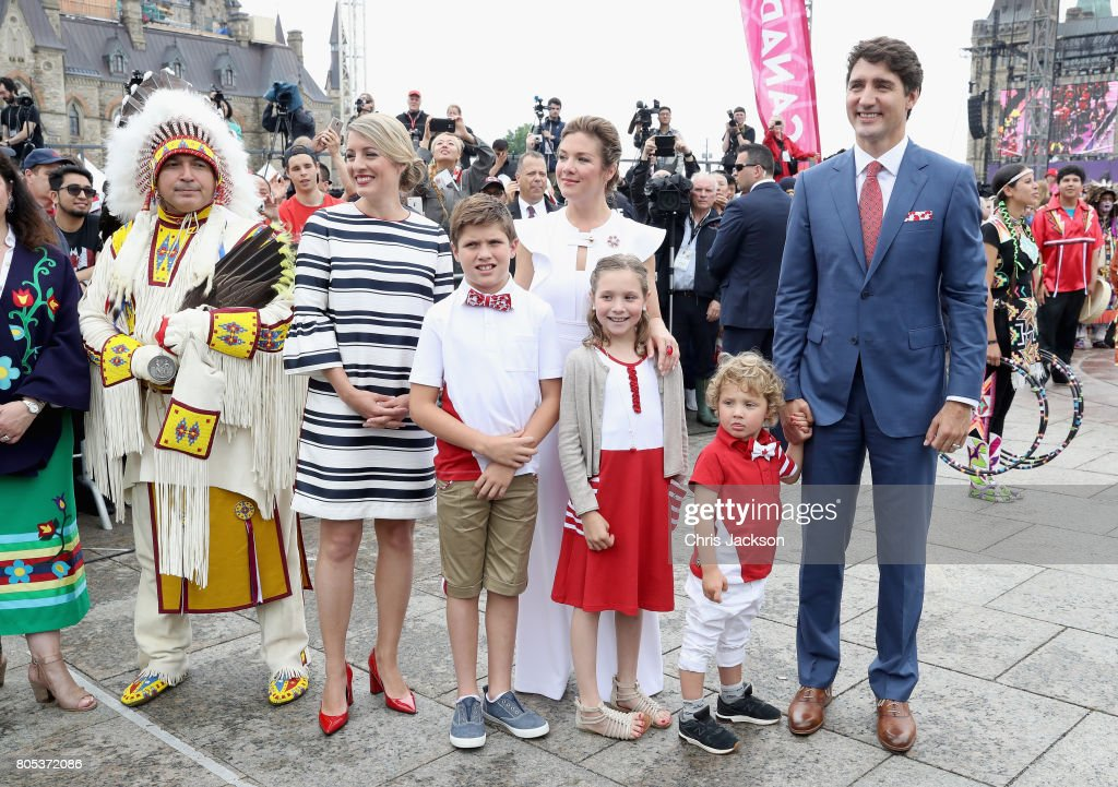 The Prince Of Wales & Duchess Of Cornwall Visit Canada - Day 3 : ニュース写真