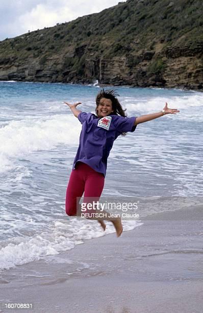 Sophie Marceau On Holiday In Saintbarthelemy SaintBarthélémy 13 mars 1989 En vacances après le tournage du film 'Mes nuits sont plus belles que vos...