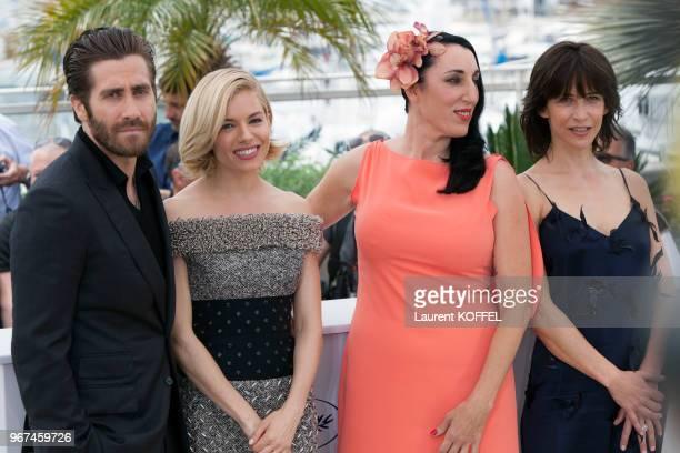 Sophie Marceau Sienna Miller Jake Gyllenhaal Rossy De Palma lors du photocall du jury pendant le 68eme Festival du Film Annuel au Palais des...