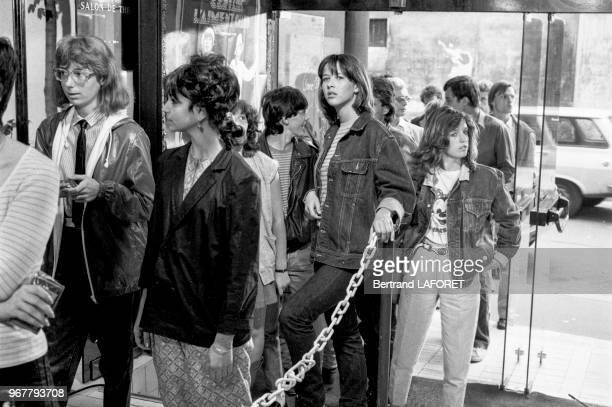 Sophie Marceau sur le tournage du film 'La Boum 2' réalisé par Claude Pinoteau à Paris le 22 juillet 1982 France