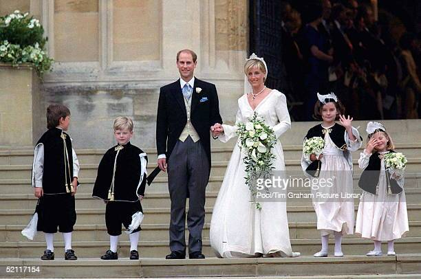 Sophie Rhysjones And Prince Edward On Their Wedding Day With Bridesmaids And Pageboys The Designer Of Bridesmaids And Pageboys Hats Cozmo Jenks