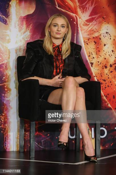 """Sophie Turner attends a press conference to promote her new film """"X-Men: Dark Phoenix"""" at Four Seasons Hotel on May 15, 2019 in Mexico City."""