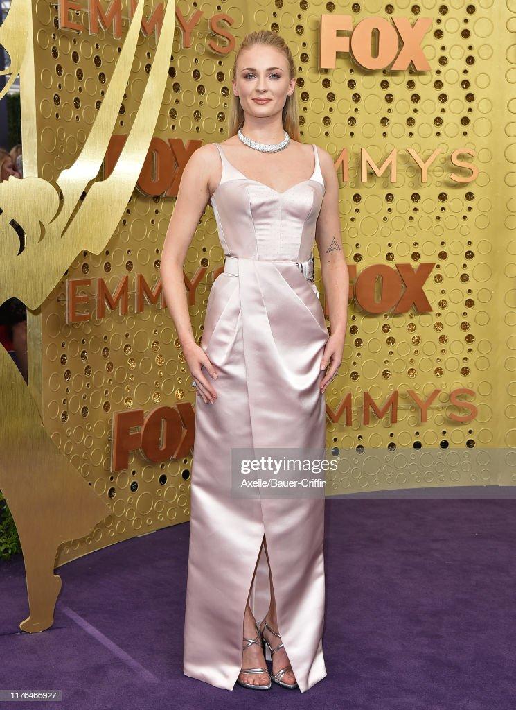 71st Emmy Awards - Arrivals : ニュース写真