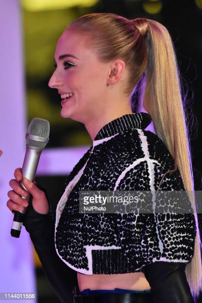 Sophie Turner speaks during a Fan Event of X-Men: Dark Phoenix at Toreo Parque Central on May 14, 2019 in Mexico City, Mexico