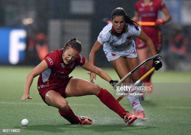 SophieAnne Weyns of Belgium and Clara Ycart of Spain during the FINTRO Women's Hockey World League SemiFinal Pool B game between Belgium and Spain on...