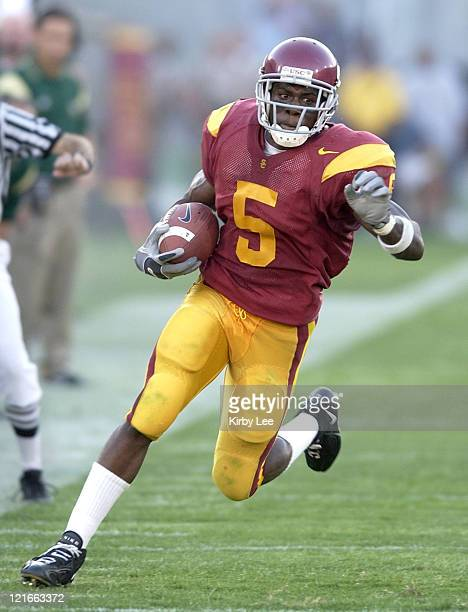 Sophomore running back Reggie Bush heads up field during second quarter of 49-0 victory over Colorado State at the Los Angeles Memorial Coliseum on...