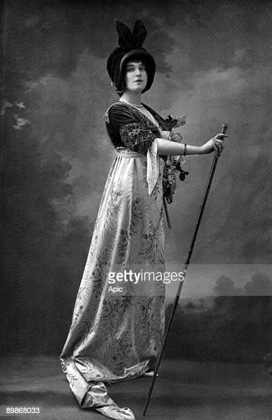 """Soprano Marthe Anthelmine Chenal as Floria Tosca in opera """"Tosca"""" , picture from magazine """"Le theatre"""" august 1913"""