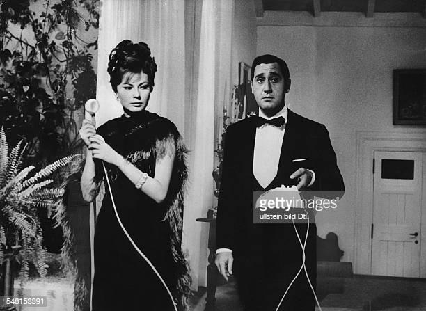 Soraya * Kaiserin von Persien 19511958 Iran mit Alberto Sordi in dem Film 'Drei Gesichter einer Frau' 1964