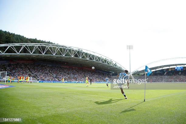 Sorba Thomas of Huddersfield Town takes a corner during the Sky Bet Championship match between Huddersfield Town and Nottingham Forest at Kirklees...
