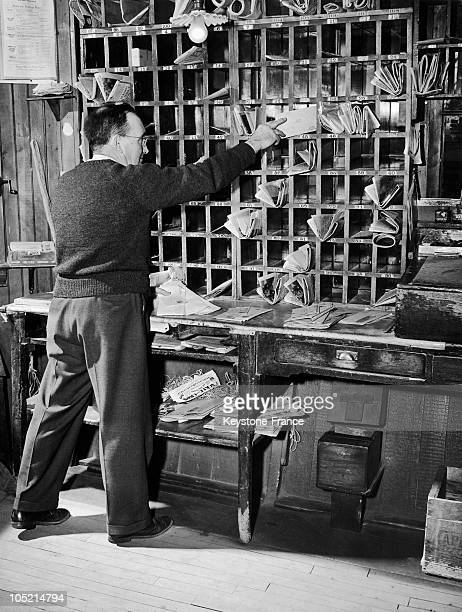 Sorting Mail At The Post Office Of Stow In 1944