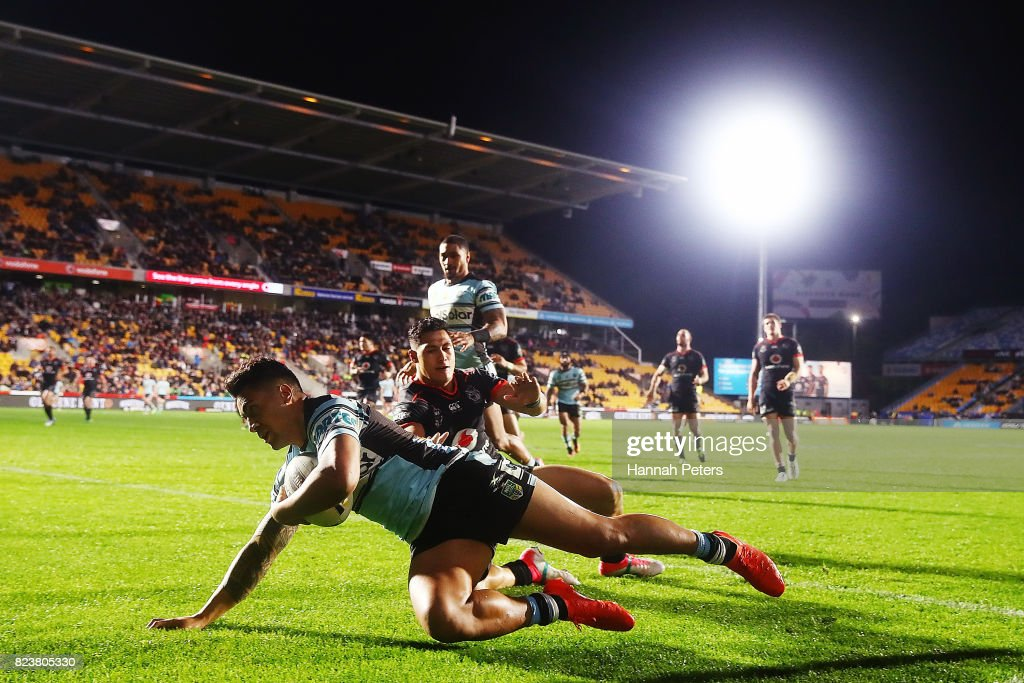 Sosaia Feki of the Sharks scores a try during the round 21 NRL match between the New Zealand Warriors and the Cronulla Sharks at Mt Smart Stadium on July 28, 2017 in Auckland, New Zealand.