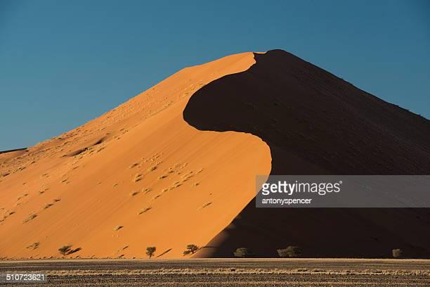 Sossusvlei curved massive sand dune