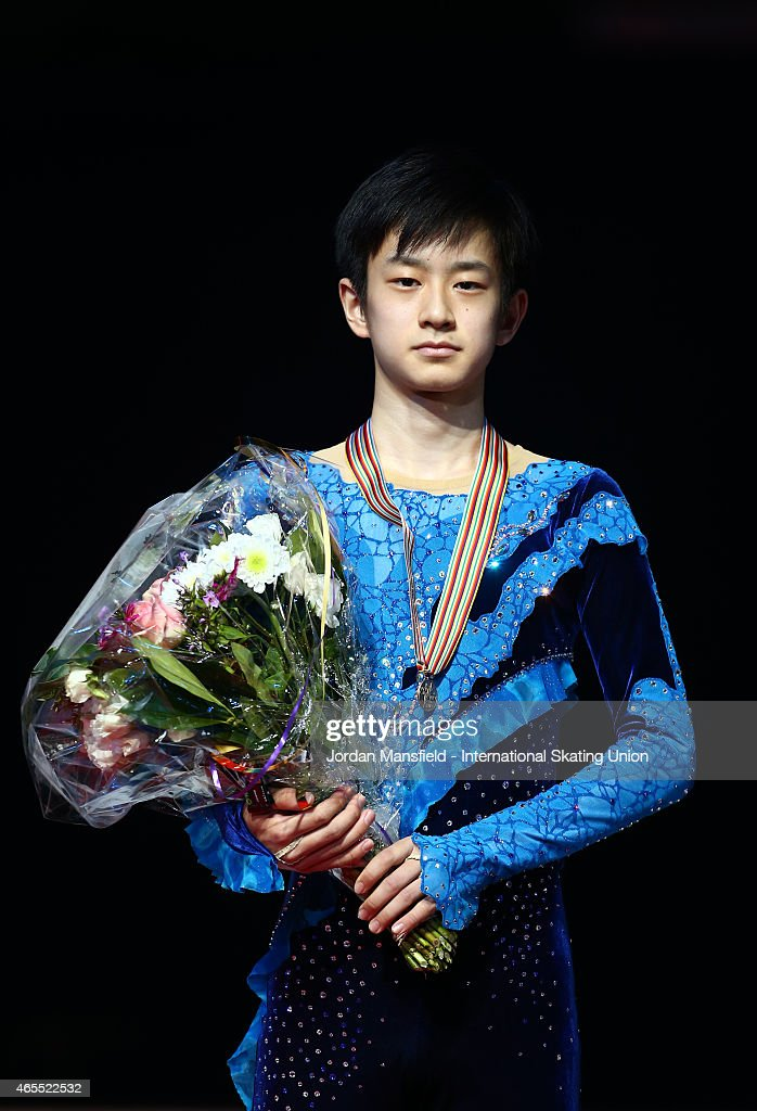 Sota Yamamoto of Japan poses for a picture after coming third in the Junior Men's Competition on Day 4 of the ISU World Junior Figure Skating Championships at Tondiraba Ice Arena on March 7, 2015 in Tallinn, Estonia.