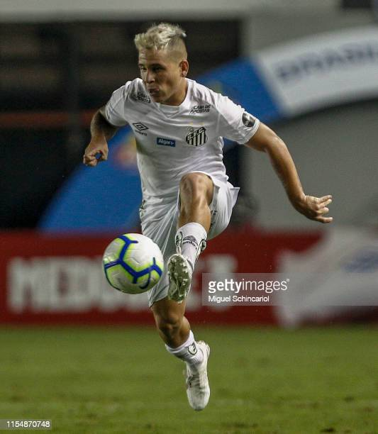 Soteldo of Santos control the ball during a match between Santos and Atletico MG for the Brasileirao Series A 2019 at Vila Belmiro Stadium on June...