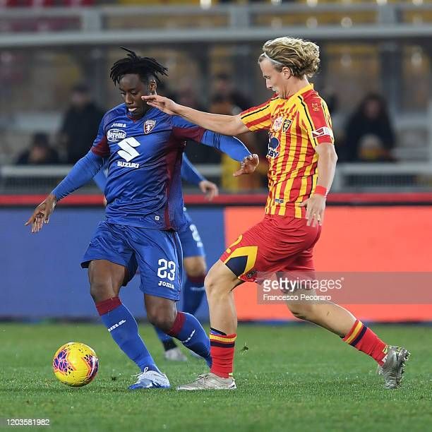 Soualiho Meite of Torino FC vies with Antonin Barak of US Lecce during the Serie A match between US Lecce and Torino FC at Stadio Via del Mare on...