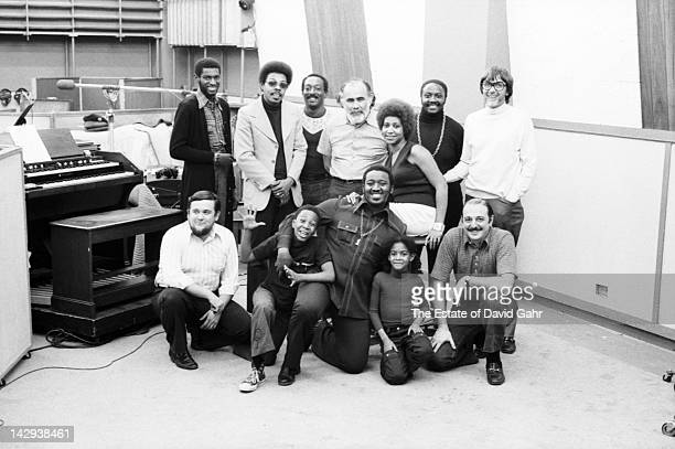 Soul singer Aretha Franklin poses for a portrait with producer Jerry Wexler musician Donny Hathaway producer Tom Dowd and Arif Mardin and session...