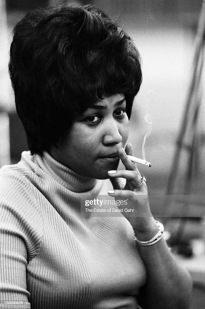 https://media.gettyimages.com/photos/soul-singer-aretha-franklin-recording-in-the-studios-of-atlantic-in-picture-id150560828