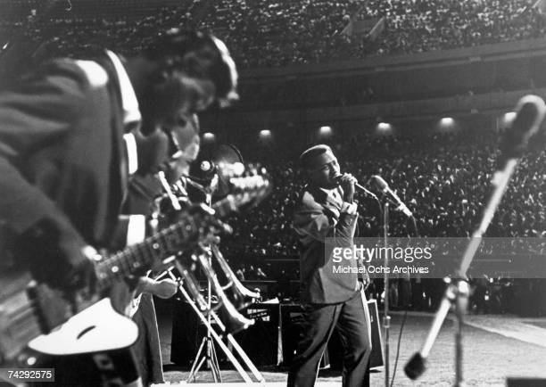 Soul singer Otis Redding performs onstage in 1967