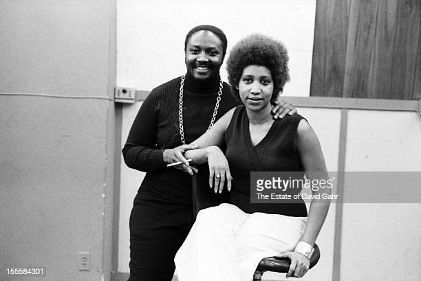 Soul singers Donny Hathaway and Aretha Franklin pose for a portrrait at a recording session for Ms Franklin on April 24 1973 at the Atlantic Records...
