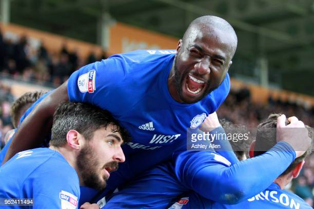 Souleymane Bamba and Cardiff City celebrate during the Sky Bet Championship match between Hull City and Cardiff City at KCOM Stadium on April 28 2018...