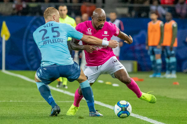 MHSC -EQUIPE DE MONTPELLIER -LIGUE1- 2019-2020 - Page 2 Souleymane-camara-of-montpellier-defended-by-kamil-glik-of-monaco-picture-id1179851306?k=6&m=1179851306&s=612x612&w=0&h=_fSo20e5KEhba8z6WexrSvahhMHr3HYFYRaVUTpc9As=