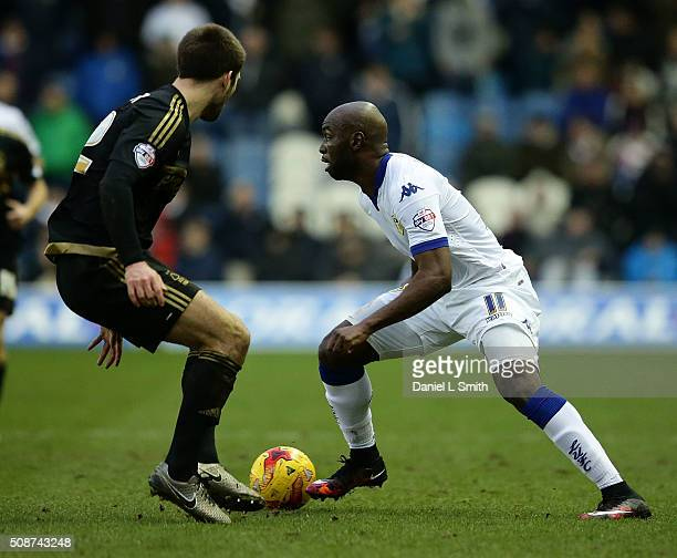 Souleymane Doukara of Leeds United FC under pressure from Gary Gardner of Nottingham Forest FC during the Sky Bet Championship match between Leeds...