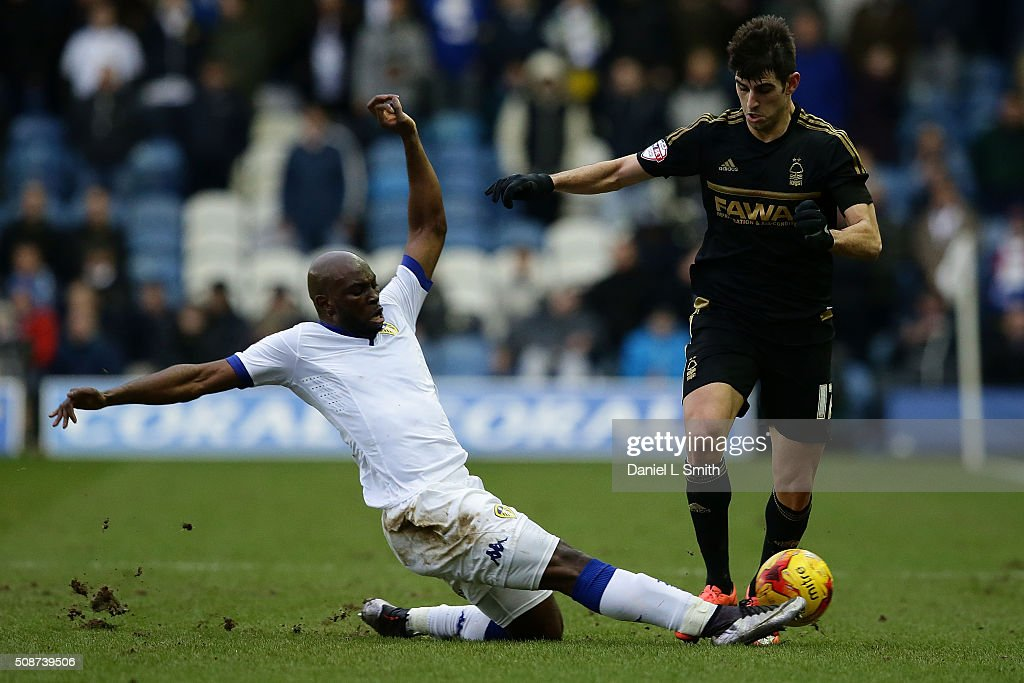 Souleymane Doukara of Leeds United FC wins possesion over Nelson Castro Oliveira of Nottingham Forest FC during the Sky Bet Championship match between Leeds United and Nottingham Forest on February 6, 2016 in Leeds, United Kingdom.