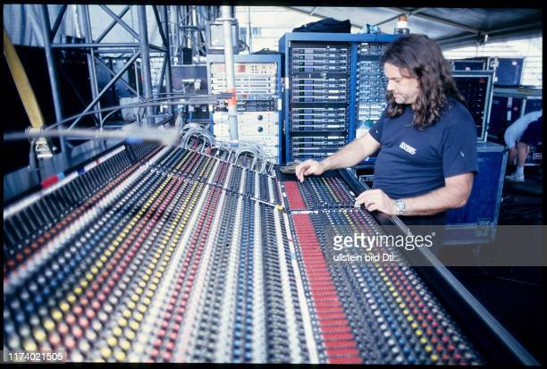 Sound engineer at Guns N'Roses concert Vienna 1993